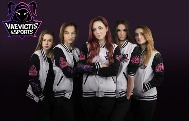 LOL独联体赛区组建全女子战队 美女选手征战顶级联赛