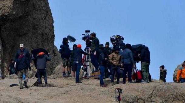 《巫师》电视剧新拍摄照泄露 叶奈法大战魔法师