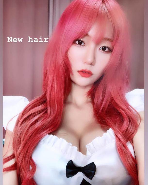 韩国美女主播Cos《海贼王》娜美 身材火辣完美还原