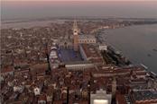 索尼慶祝PS5順利發售舉辦燈光秀點亮威尼斯